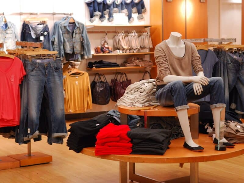 Online Shop - Clothes Store Example